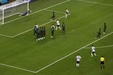 Cüneyt Çakır'ın Ronaldo hareketi maça damga vurdu