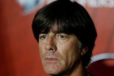 Almanya Teknik Direktörü Löw'den Mesut Özil'e destek