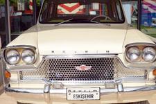 Türkiye'nin ilk otomobili Devrim ilgi odağı oldu