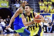 Fenerbahçe Doğuş finalde ilk maçı rahat kazandı