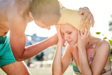 Güneş çarpmasına ne iyi gelir? Belirtileri ve  nedenlerine dikkat!