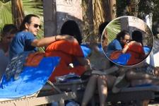 Plajda aşka geldi Deniz Çakır'ı öpücüklere boğdu!