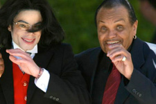 Michael Jackson hadım edilmiş! Babası kimyasal hadım yapmış