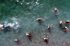 Çanakkale'den Van'a gelen tatilciler plaja akın etti