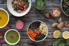 Detoks yiyecekleri ve içeçekleri zayıflamak için turp yaprağı, biberiye ve...