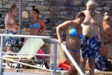 Aşkın Nur Yengi ve Haluk Bilginer tatilde! Yeniden evleniyorlar