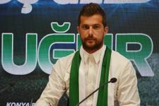 Uğur Demirok Konyaspor'a resmi imzayı attı