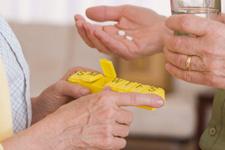 Yaşlılarda ilaç kullanımına dikkat!