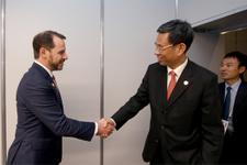 Bakan Albayrak'tan yoğun ekonomi diplomasisi