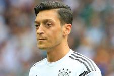 Almanya Başbakanı Merkel'den Mesut Özil yorumu!