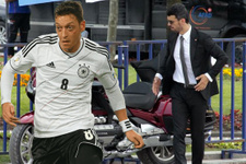 Kenan Sofuoğlu, Almanya'nın çirkin yüzünü anlattı Mesut'a destek verdi