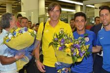Fenerbahçe İzmir'de çiçeklerle karşılandı