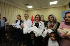 Beşiz bebeklere Fatma Şahin desteği