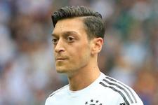 Almanya'da Mesut Özil'e destek gösterisi