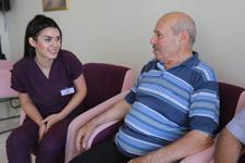 Alzheimer hastaları bu merkezde hayat buluyor