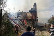 Eve düşen yıldırım, 30 hanelik köyü yok ediyordu!