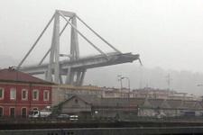 İtalya'da köprü çöktü!