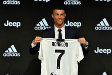 Ronaldo Juventus'u zirveye taşıdı