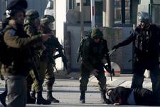 İsrail polisi Mescid-i Aksa'da 8 Filistinli kadını gözaltına aldı