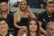 Malene Pedersen güzelliğiyle Galatasaray tribünlerini salladı