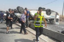 Filistinlileri taşıyan otobüs devrildi: 1 ölü, 18 yaralı