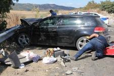 Kontrolden çıkan otomobil park halindeki araca çarptı: 10 yaralı