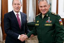 Hulusi Akar ve Rusya Savunma Bakanı görüştü