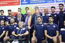 İstanbul BBSK, Efeler ligi ve Avrupa Şampiyonlar Ligi'ne tamamı milli ve yerli kadroyla hazırlanıyor