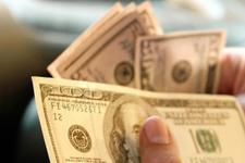 Dolar gözünü yukarı dikti ilk güne rekorla başladı