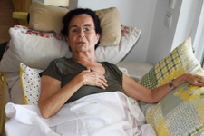 Fatma Girik evinde düşünce leğen kemiği çatladı