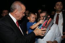 Erdoğan'dan sahilde oturan vatandaşlara sürpriz...