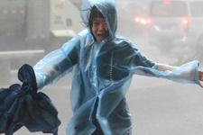 Süper Mangkhut tayfunu yıkıp geçiyor! Acı haberler peş peşe geliyor...