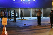 İzmir'de gece kulübü önünde silahlı kavga: 4 yaralı