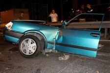 Bayrampaşa'da korkunç kaza otomobil ikiye bölündü