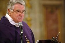 Vatikan, başpiskoposu çocuk tacizi nedeniyle meslekten men etti!