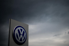 Volkswagen skandalının 'benzinli araçlara da sıçradığı' iddiası!