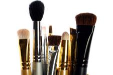 Makyaj fırçası nasıl temizlenir?