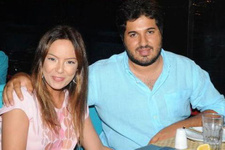 Sevilay Yılman Reza Zarrab'a koşan Ebru Gündeş'e saydırdı