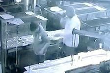 Arkadaşının kalçasına basınçlı hava püskürttü, katil oldu