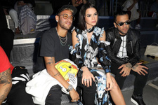 Neymar ve sevgilisi Bruna Marquezine Fransa'da ses getirdi
