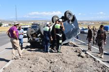 Kars'ta zırhlı polis aracı devrildi yaralılar var