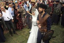 Recep Akdağ'ın oğlu Kocaeli'de kayı düğünü ile evlendi