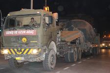Kilis'ten İdlib sınırına obüs ile tank sevkıyatı!