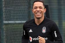 Adriano'ya Brezilya'dan teklif
