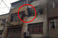 Fatih'te can pazarı! Camdan sarkıp kurtarılmayı beklediler