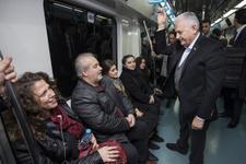 Binali Yıldırım Marmaray'la yolculuk etti vatandaşla dertleşti
