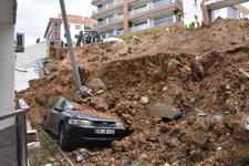 Faciadan dönüldü: Çok sayıda araç toprak altında kaldı!