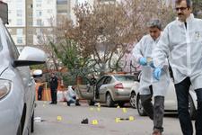 Mersin'de cami önünde silahlar konuştu