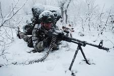 Komandolar karla kaplı dağlarda PKK operasyonunda
