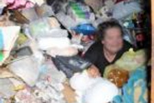 2 odalı evden tam 17 traktör çöp çıktı!